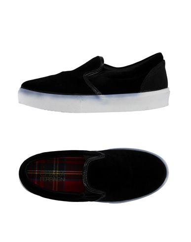 Низкие кеды и кроссовки от CHIARA FERRAGNI
