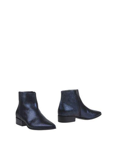 Полусапоги и высокие ботинки от 87 VIC MATIĒ