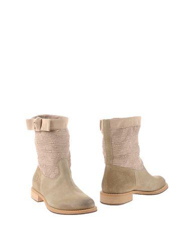 Фото - Полусапоги и высокие ботинки от TWINSET цвет голубиный серый