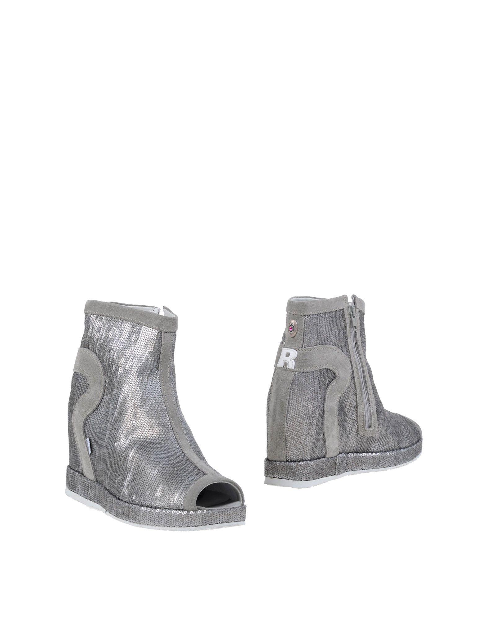 цена  RUCO LINE Полусапоги и высокие ботинки  онлайн в 2017 году