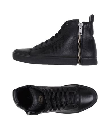 Foto DIESEL Sneakers & Tennis shoes alte uomo