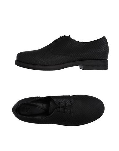 Обувь на шнурках от VIC