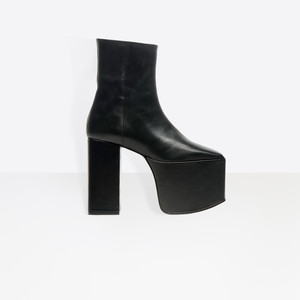 BALENCIAGA Platform Shoes D Platform Booties f