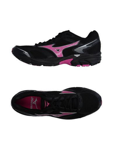 Низкие кеды и кроссовки MIZUNO 11097673EA