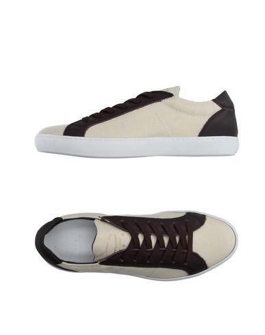Низкие кеды и кроссовки PANTOFOLA D'ORO 11099815KL