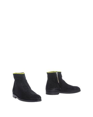 Полусапоги и высокие ботинки от B-STORE