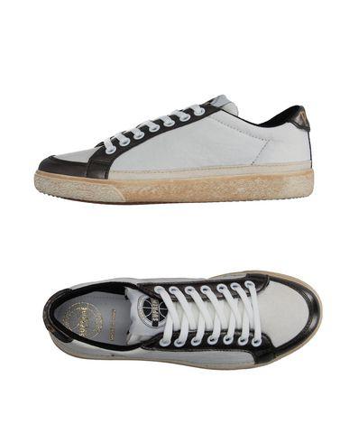 Низкие кеды и кроссовки PANTOFOLA D'ORO 11103335RL