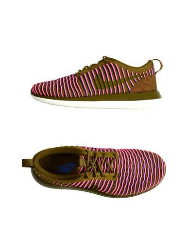 NIKE Marque Roshe Two Flyknit Sneakers &...
