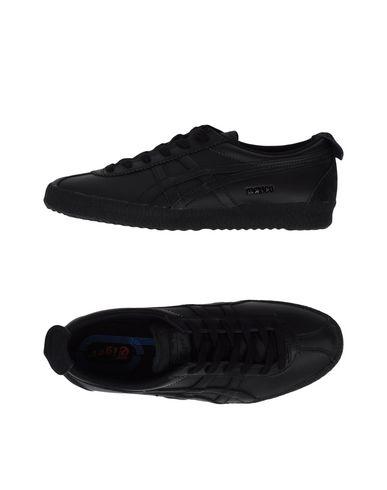 Фото - Низкие кеды и кроссовки от ONITSUKA TIGER черного цвета