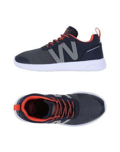 Низкие кеды и кроссовки WESC 11111202JU