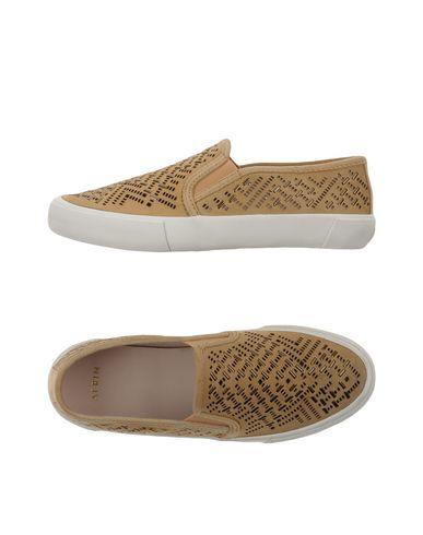 Низкие кеды и кроссовки от AERIN