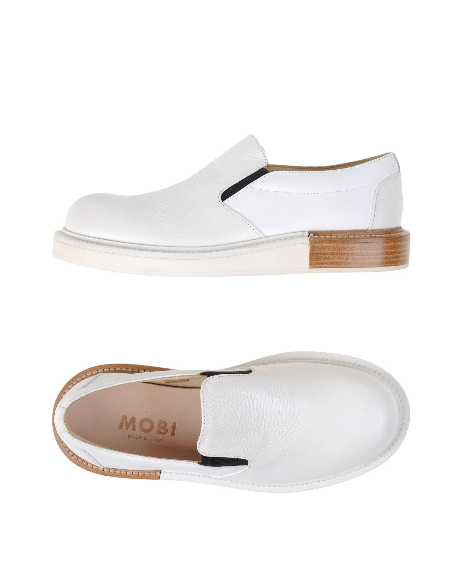 MOBI Sneakers in White