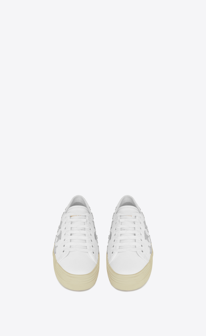 df112088f0e Zoom  Signature COURT CLASSIC SL 39 CALIFORNIA Platform Sneaker in Off  White Leather and Silver Metallic