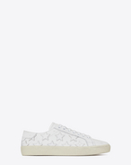 SAINT LAURENT Trainers D Signature COURT CLASSIC SL/06 CALIFORNIA Sneaker in Off White Distressed Leather f