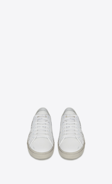 SAINT LAURENT Trainers D Signature COURT CLASSIC SL/06 CALIFORNIA Sneaker in Off White Distressed Leather b_V4