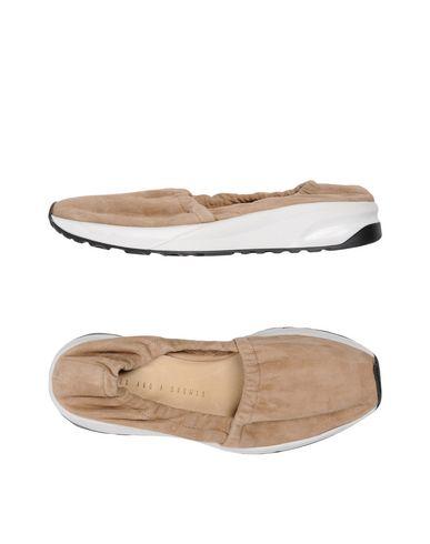 Низкие кеды и кроссовки от AHAAS PARIS
