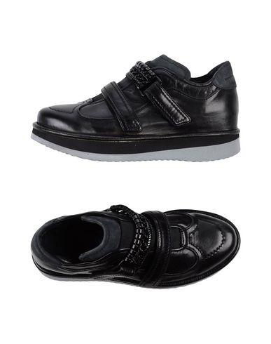 Низкие кеды и кроссовки FABI 11117322HJ