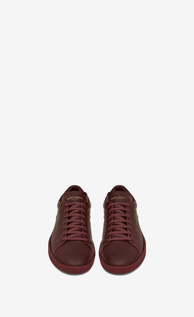 SAINT LAURENT Low Sneakers U Sneaker COURT CLASSIC SL/01 en cuir rouge foncé b_V4