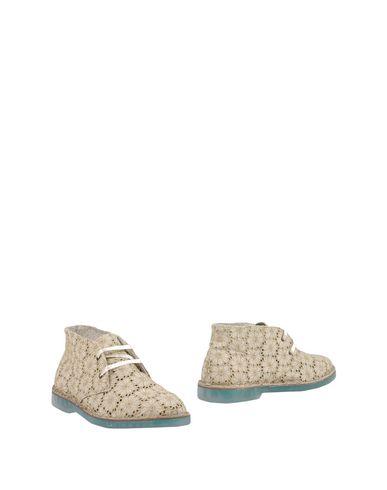 Полусапоги и высокие ботинки WALLY WALKER