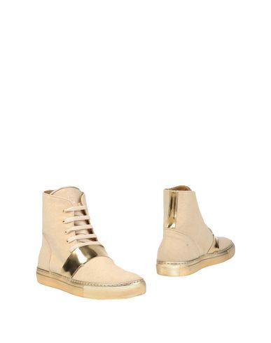 Полусапоги и высокие ботинки от PASSION BLANCHE