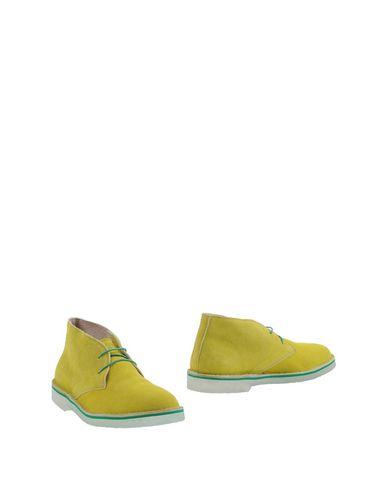 Полусапоги и высокие ботинки от WALLY WALKER