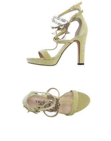 Купить Женские сандали  светло-желтого цвета