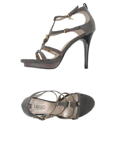Купить Женские сандали  серого цвета