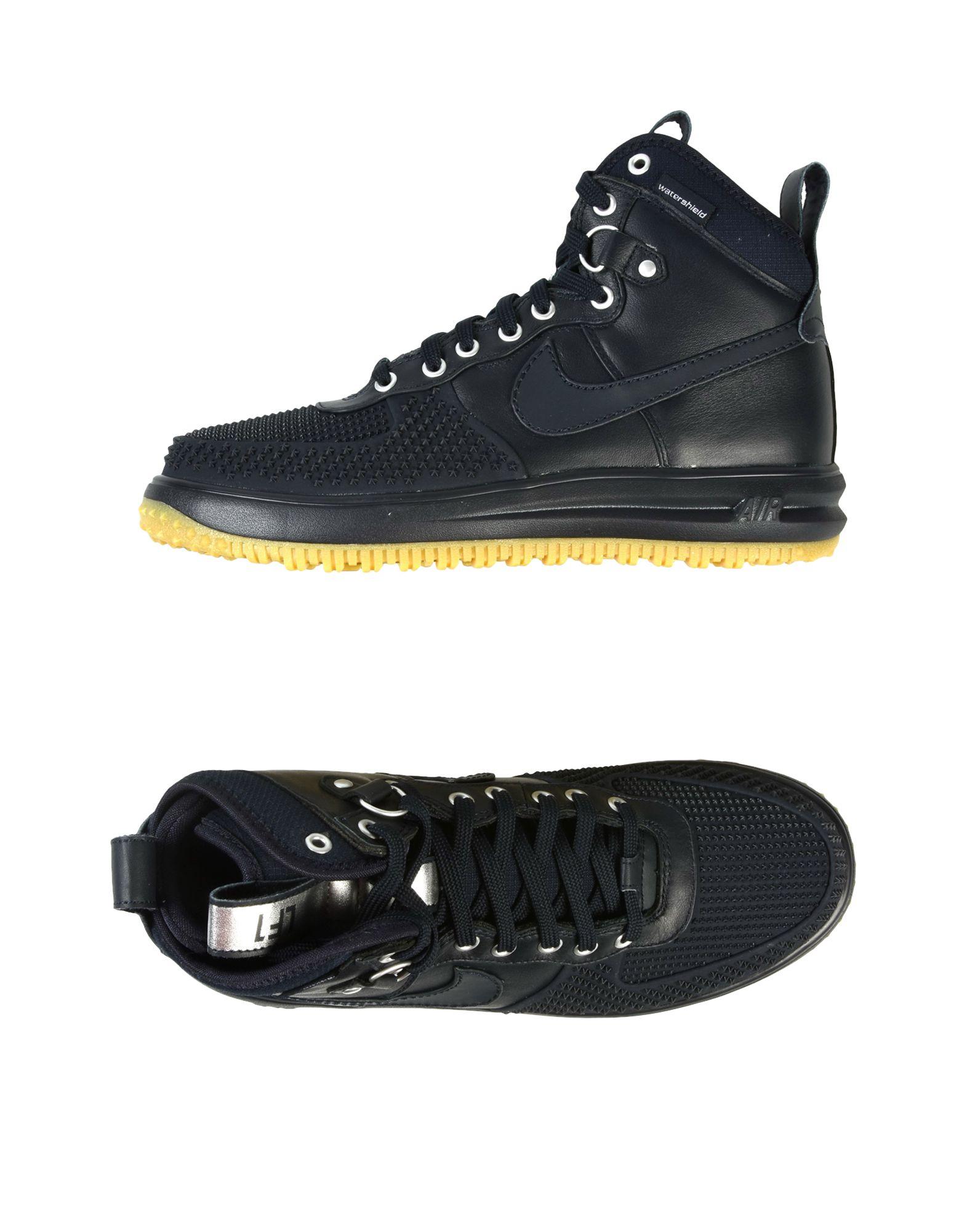 Фото NIKE Высокие кеды и кроссовки. Купить с доставкой