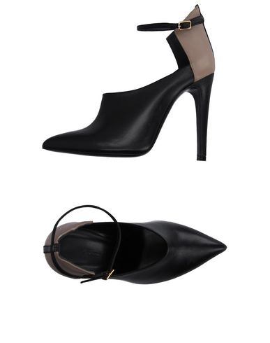 Туфли от CHARLINE DE LUCA