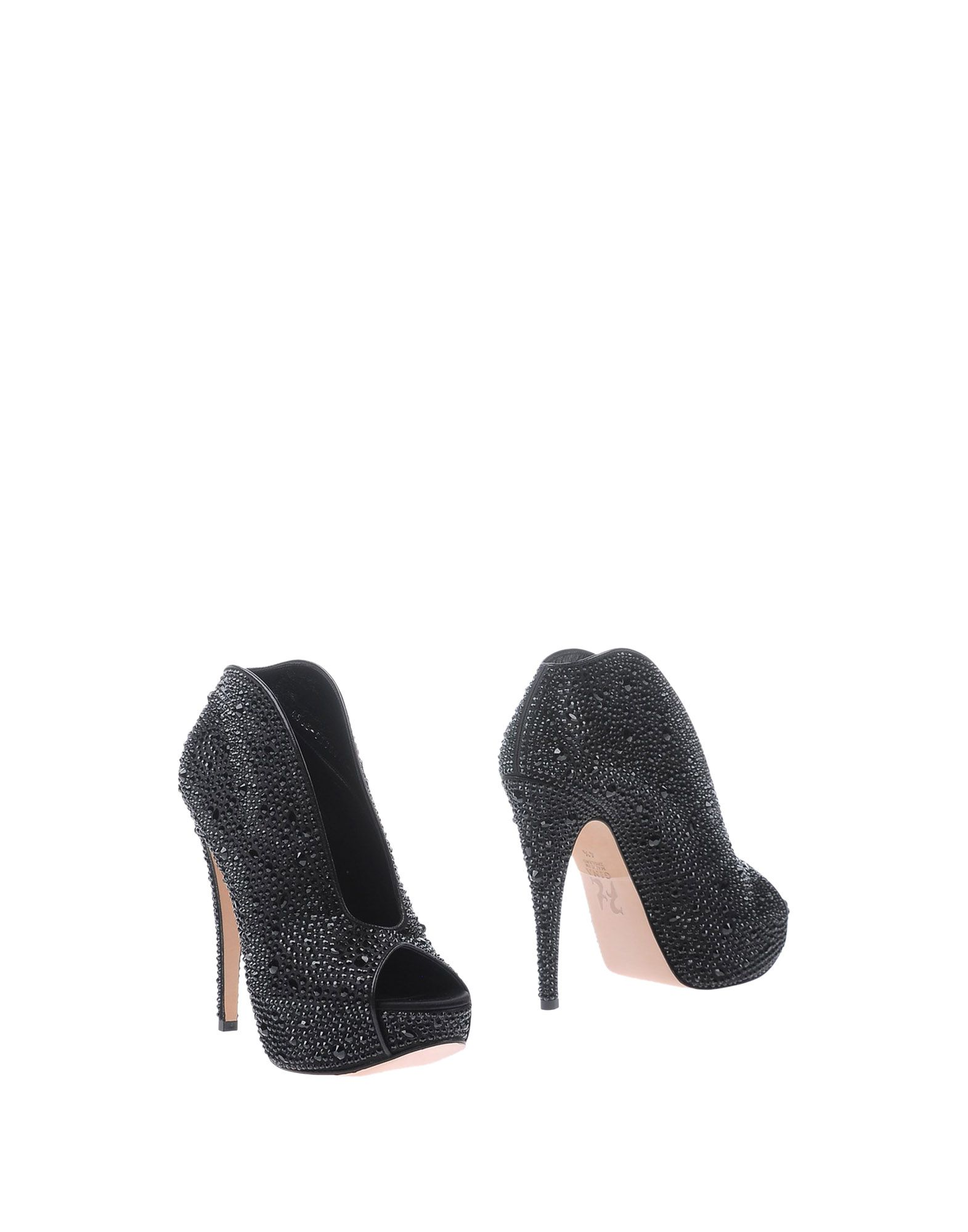 GINA Ankle Boot in Black
