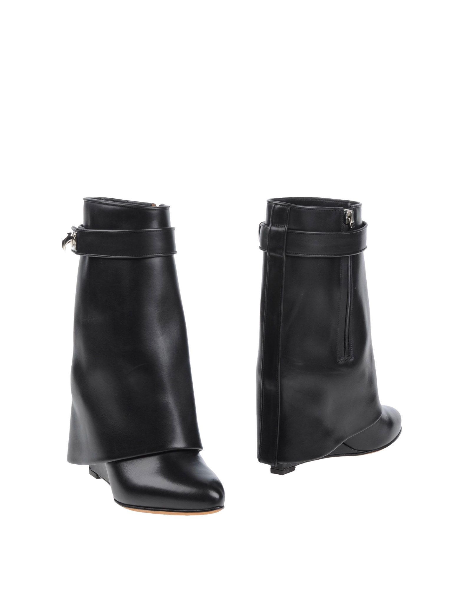Givenchy Ankle Boot In Black