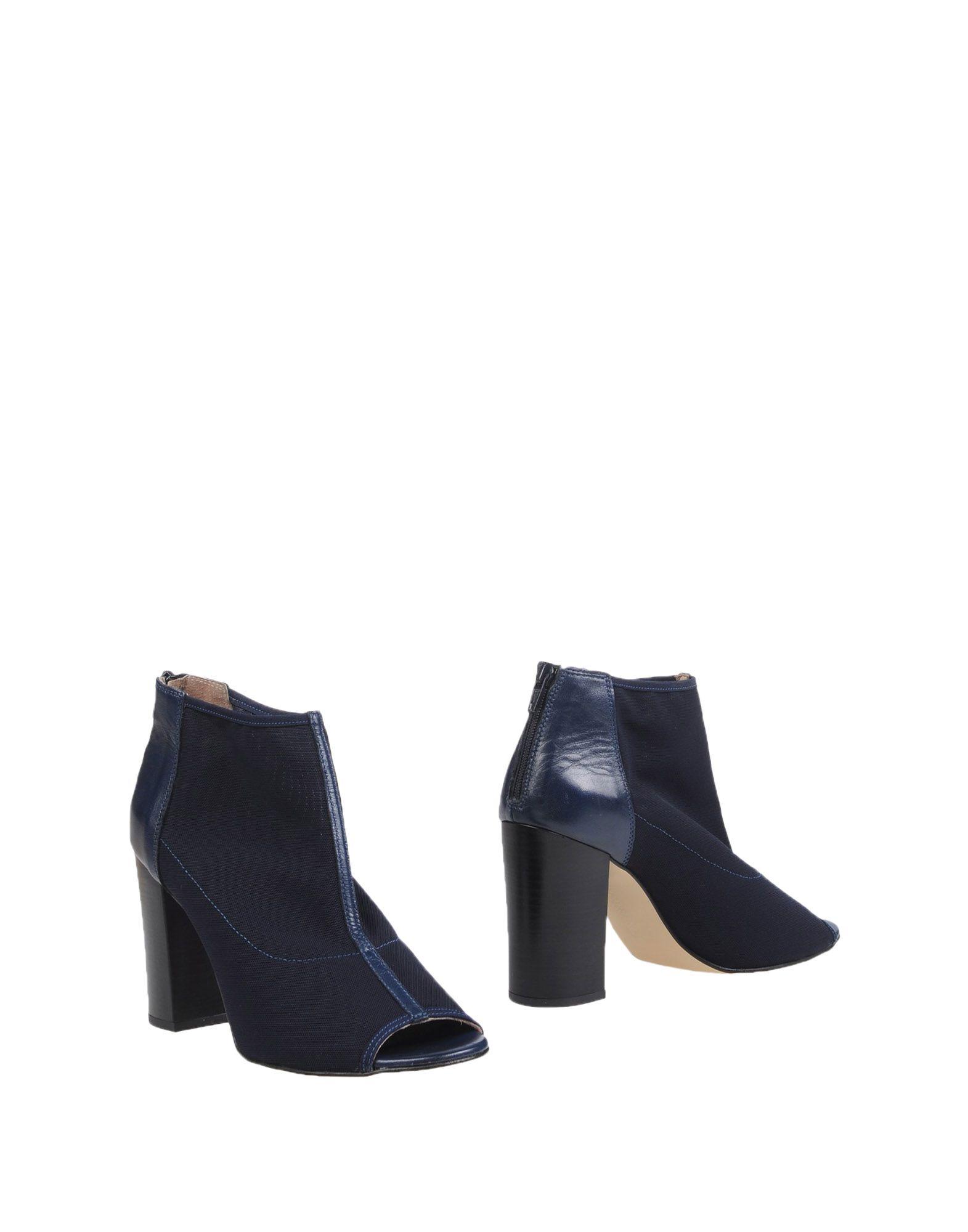CARMENS Полусапоги и высокие ботинки carmens туфли