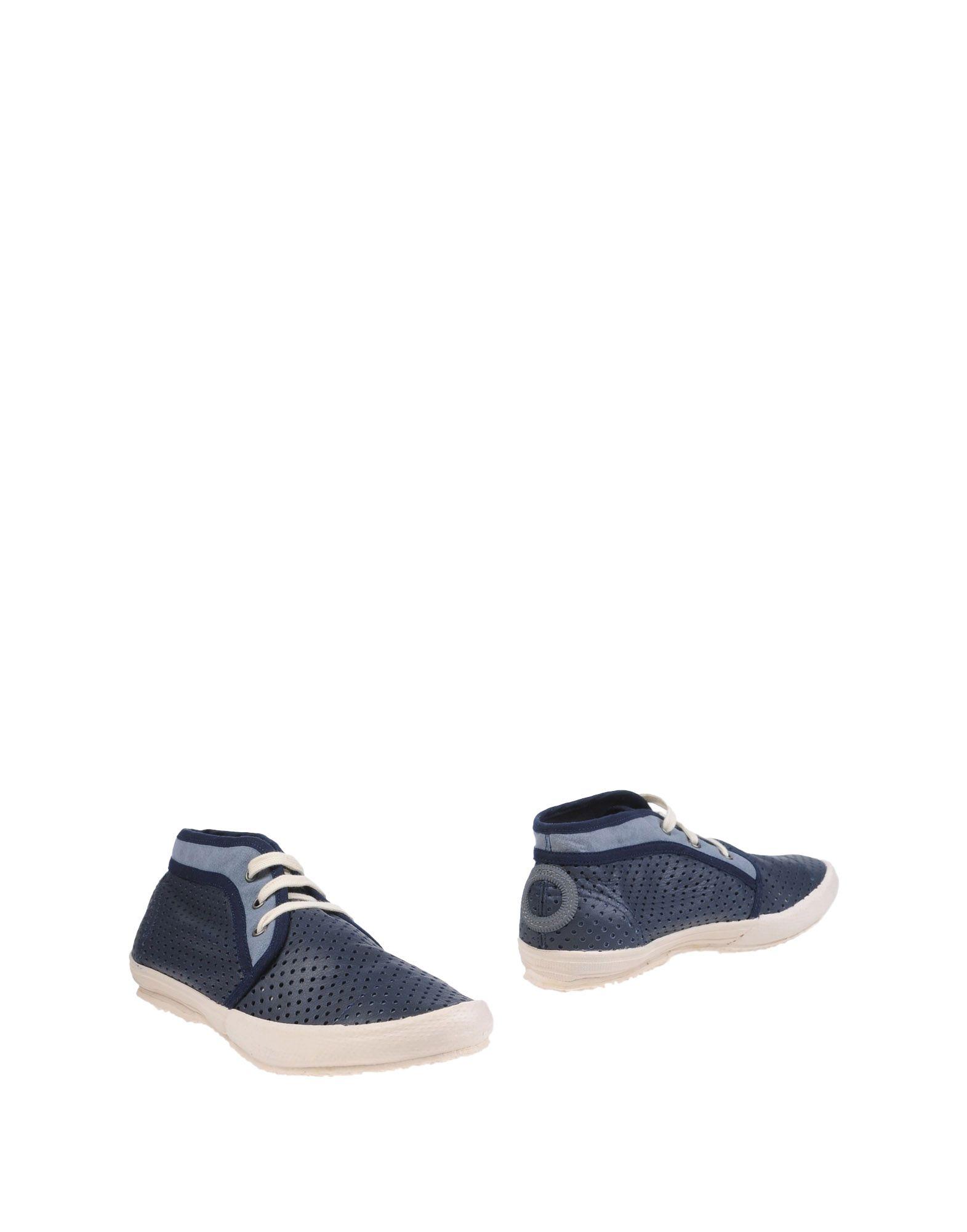 ARO Полусапоги и высокие ботинки