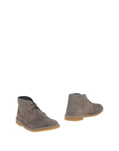 Полусапоги и высокие ботинки от FABRIZIO MANCINI