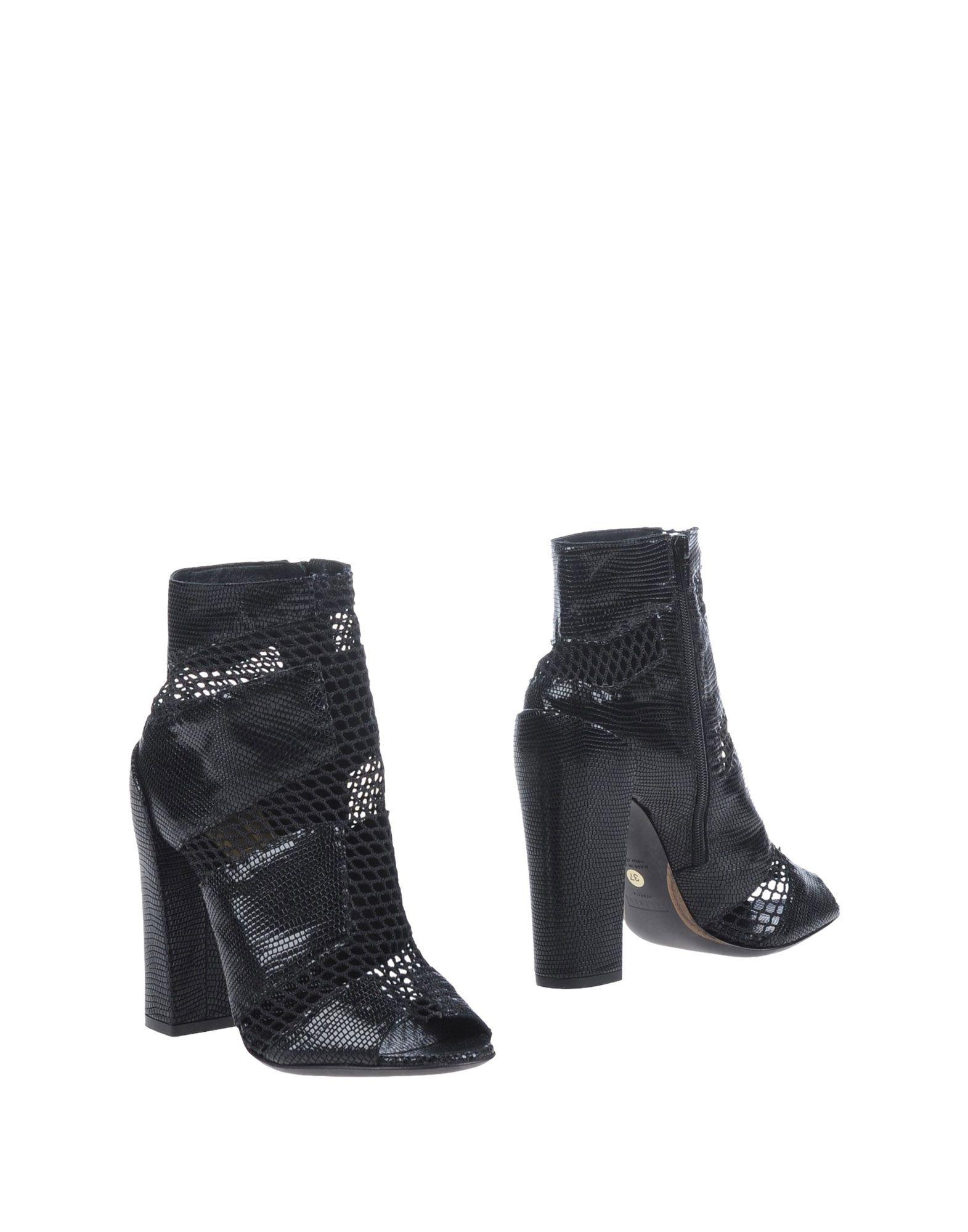 купить STEPHEN Полусапоги и высокие ботинки дешево