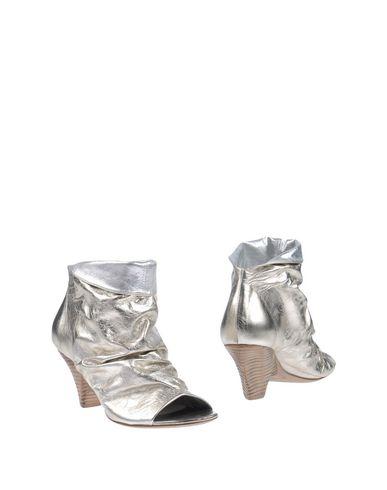 Полусапоги и высокие ботинки от MARSÈLL