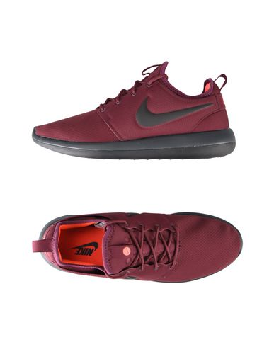 Купить Низкие кеды и кроссовки красно-коричневого цвета