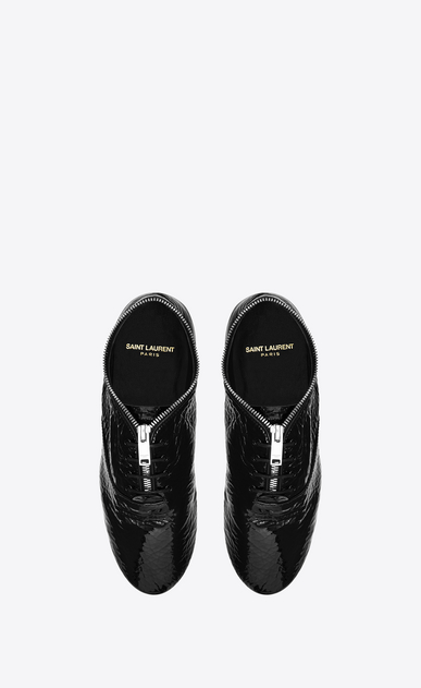 SAINT LAURENT Classic Masculine Shapes D VERNEUIL 05 RICHELIEU Sneaker in Black patent leather b_V4