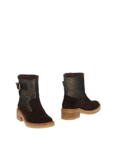 Полусапоги и высокие ботинки от CASTAÑER