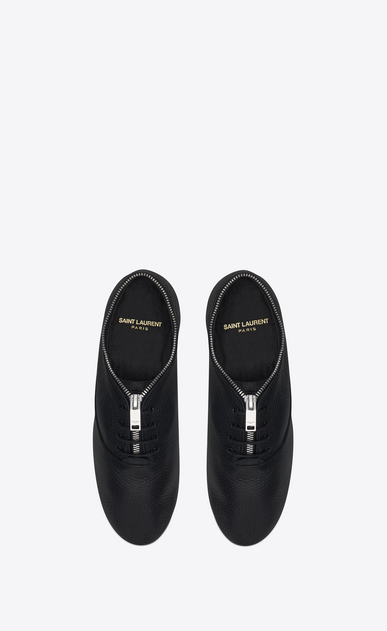 SAINT LAURENT Classic Masculine Shapes D VERNEUIL 05 RICHELIEU Sneaker in Black grained leather b_V4
