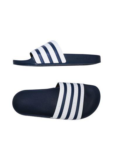 Imagen principal de producto de ADIDAS ORIGINALS ADIDAS ADILETTE - CALZADO - Sandalias con cierre - Adidas