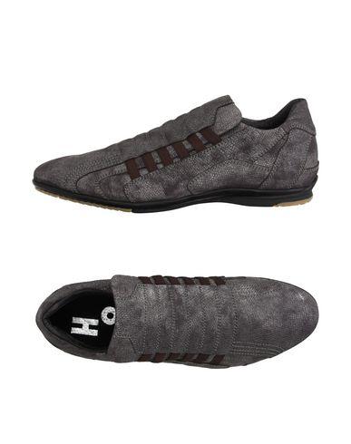 Низкие кеды и кроссовки ALEXANDER HOTTO 11186661DT
