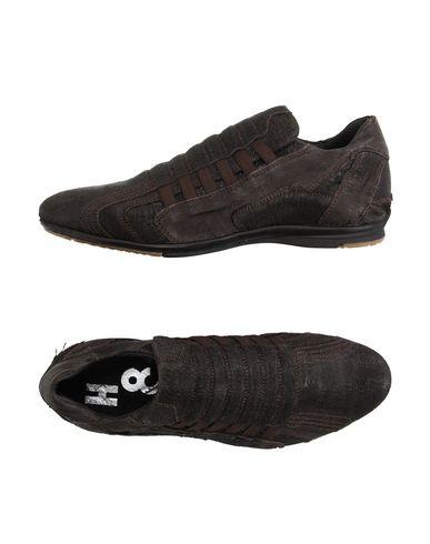 Низкие кеды и кроссовки ALEXANDER HOTTO 11186809CJ