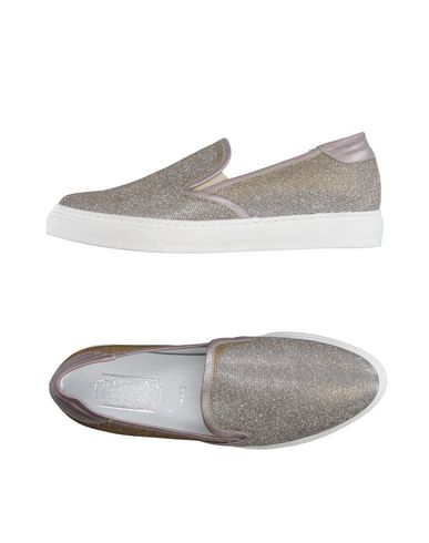 Низкие кеды и кроссовки от ASYLUM