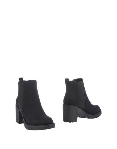 ONLY Полусапоги и высокие ботинки  недорого