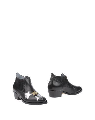 Ботинки от CHIARA FERRAGNI