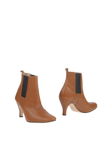 Полусапоги и высокие ботинки REPETTO. Цвет: коричневый