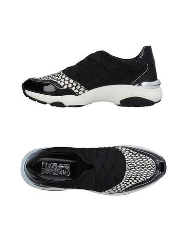 Низкие кеды и кроссовки SALVATORE FERRAGAMO 11218186LI