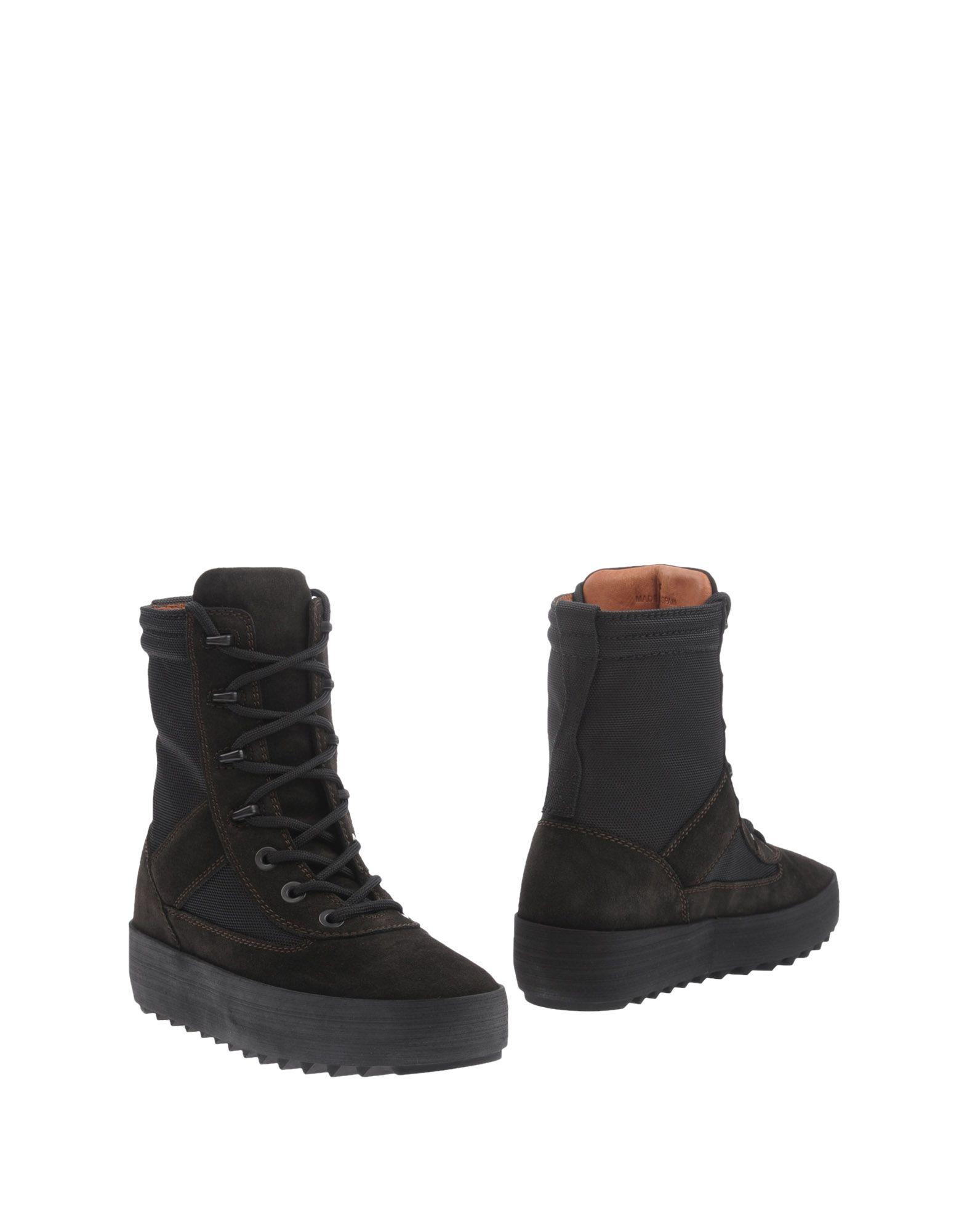 Фото YEEZY Полусапоги и высокие ботинки. Купить с доставкой
