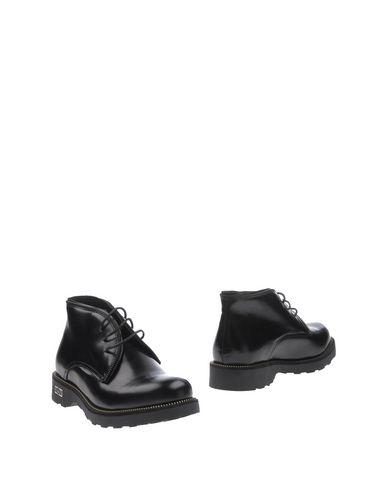 Полусапоги и высокие ботинки от CULT